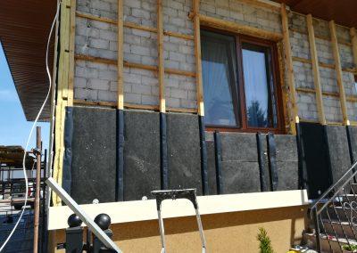 Cedar deska włóknocementowa na elewacji domu