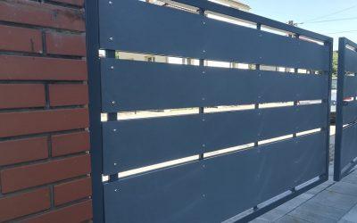 Cembrit Patina P070 – ogrodzenie wykonane z płyt włóknocementowych