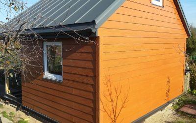 Deska SHERA – renowacja domku na działce  z wykorzystaniemm deski włóknocementowej