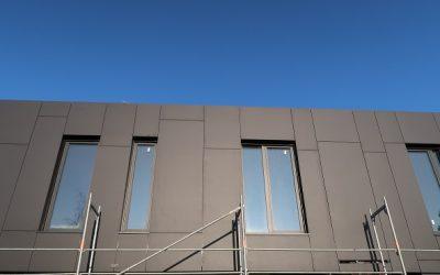 Nexmar Płyty Włóknocementowe Cembrit Transparent – Nowoczesna Elewacja Włóknocementowa Domu w Sowlanach