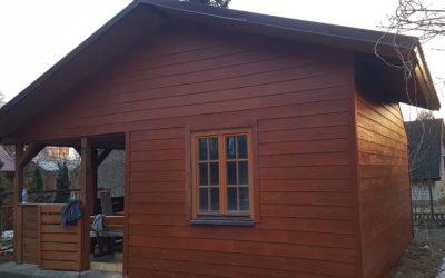 SHERA DESKA WŁÓKNOCEMENTOWA – Renowacja Elewacji Domu Działkowego – Elewacja z Deski SHERA w Kolorze Golden Sand Teak